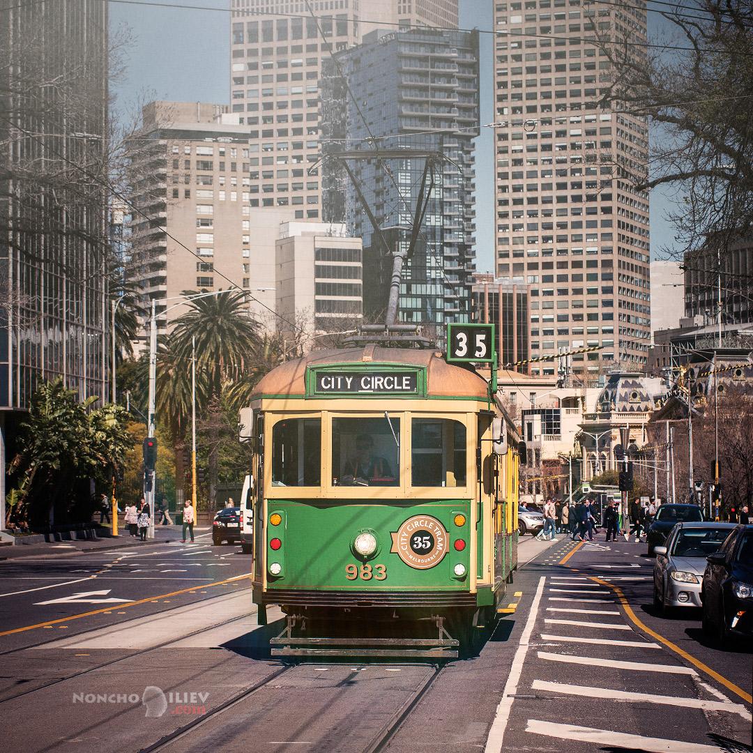 Melbourne retro tram