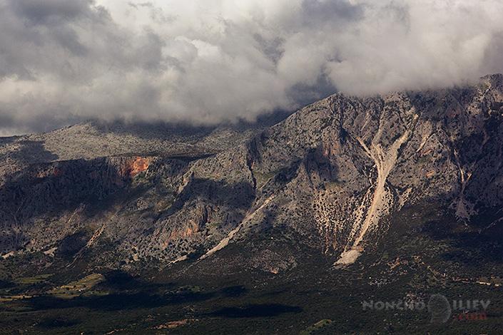 Облаци и планини