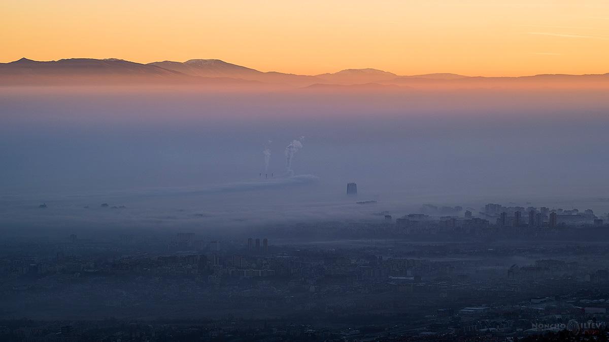 изгрев над София лъчи Копитото