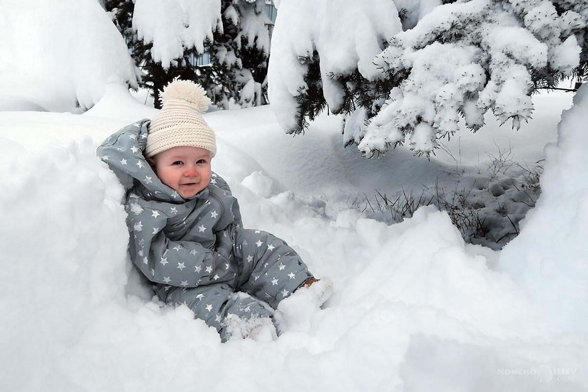 зима 2016 сняг бебе