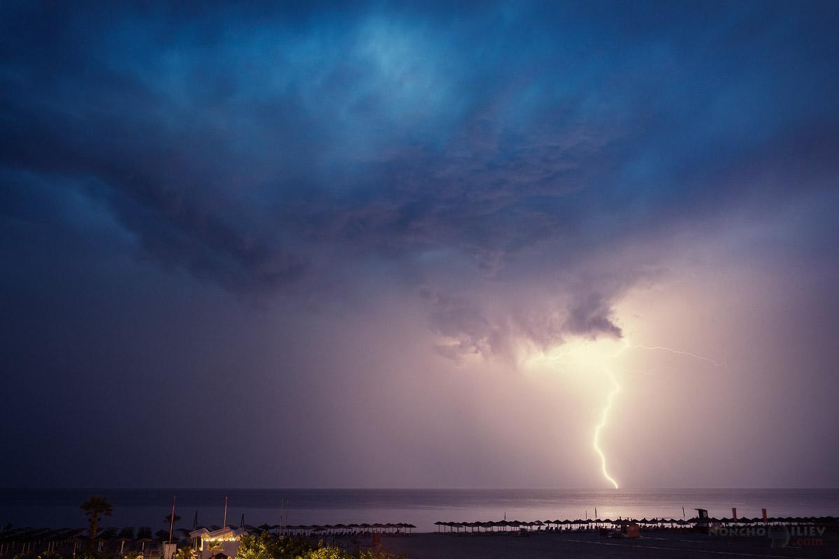 буря светкавици