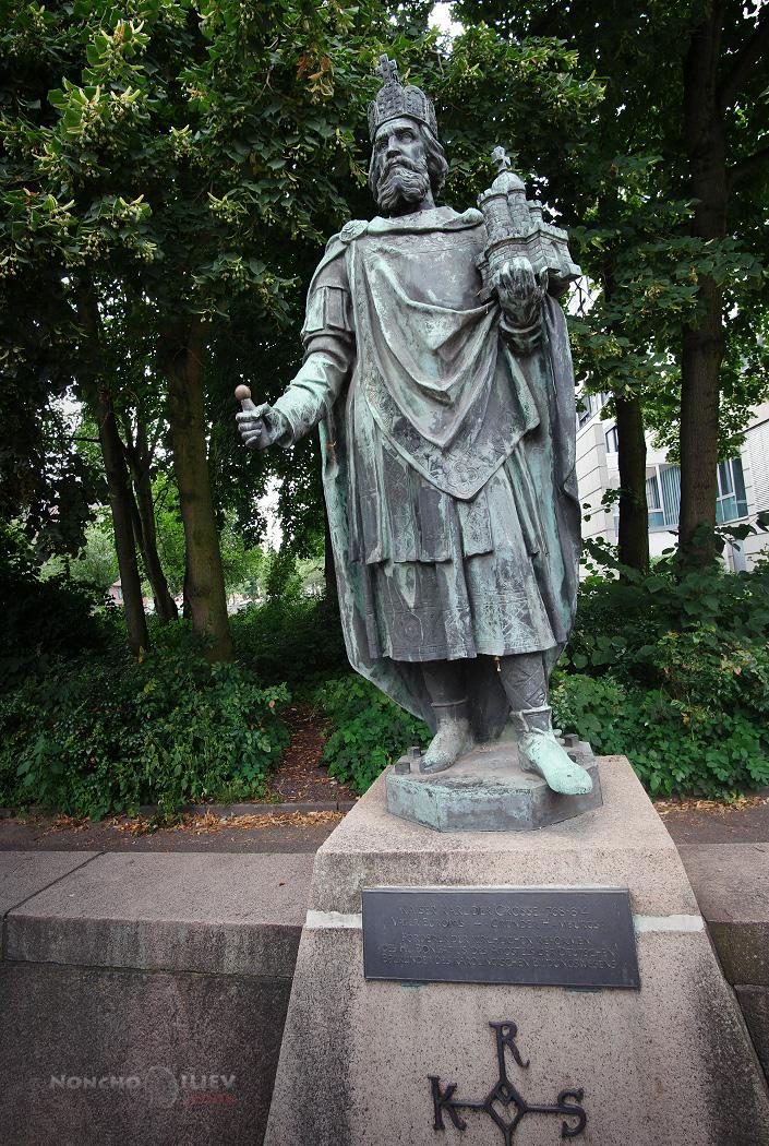 Хамбург паметник Карл Велики