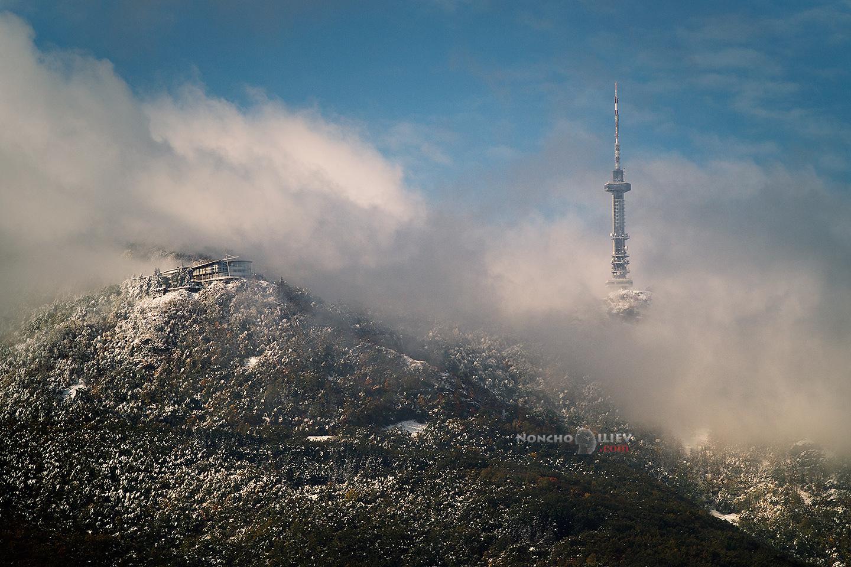 Първи сняг на Копитото