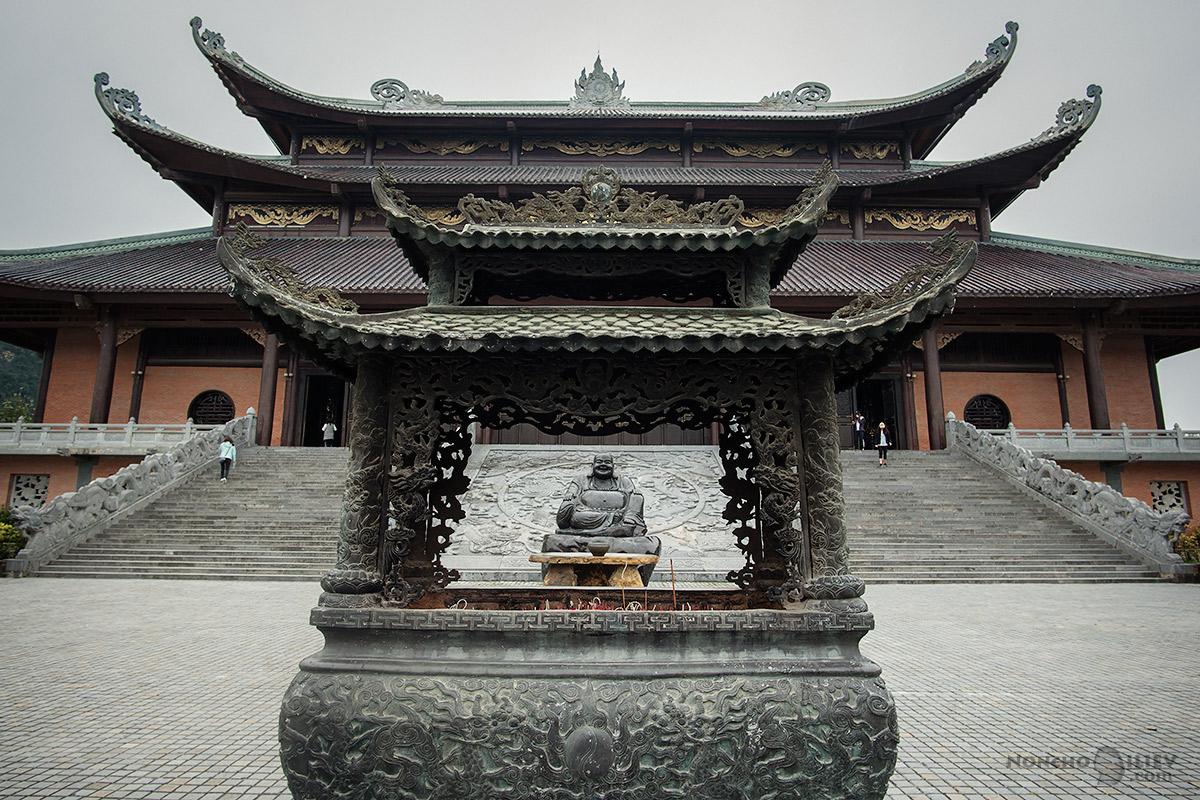 пагода дебел щастлив буда