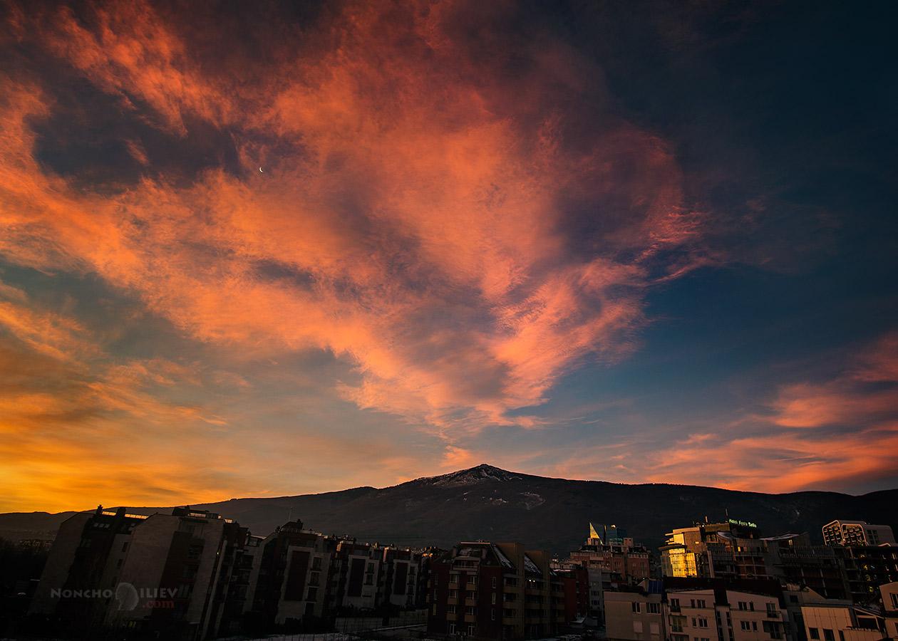 изгрев зима Витоша небе