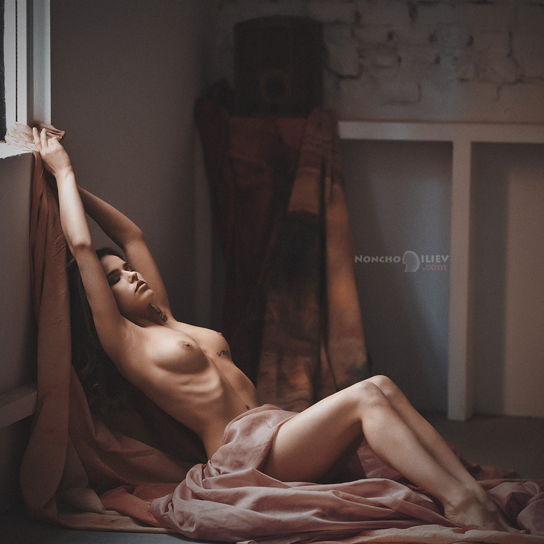 photoshoot nude workshop light body