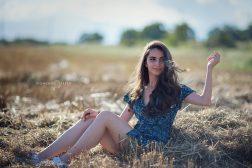 лято в полето слама портрет