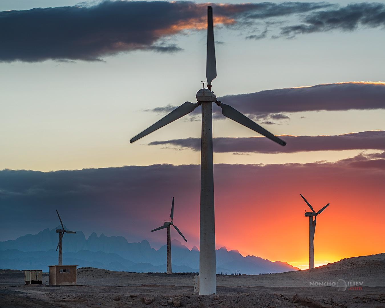egypt sunset wind turbines залез египет вятър перки