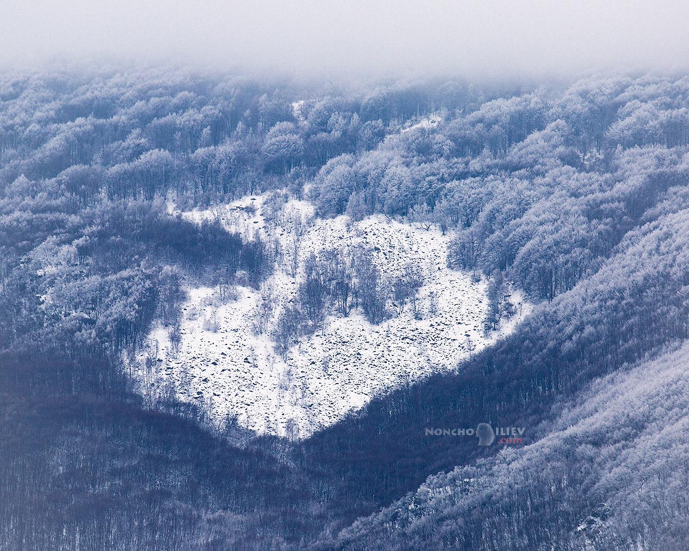 още пролетен сняг