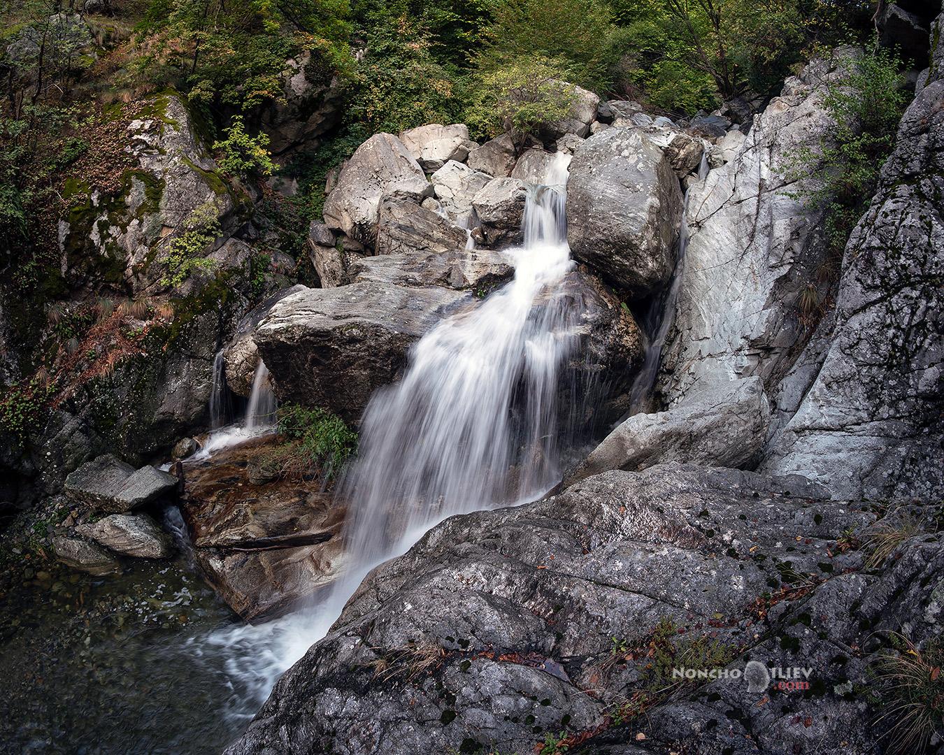 водопад есен