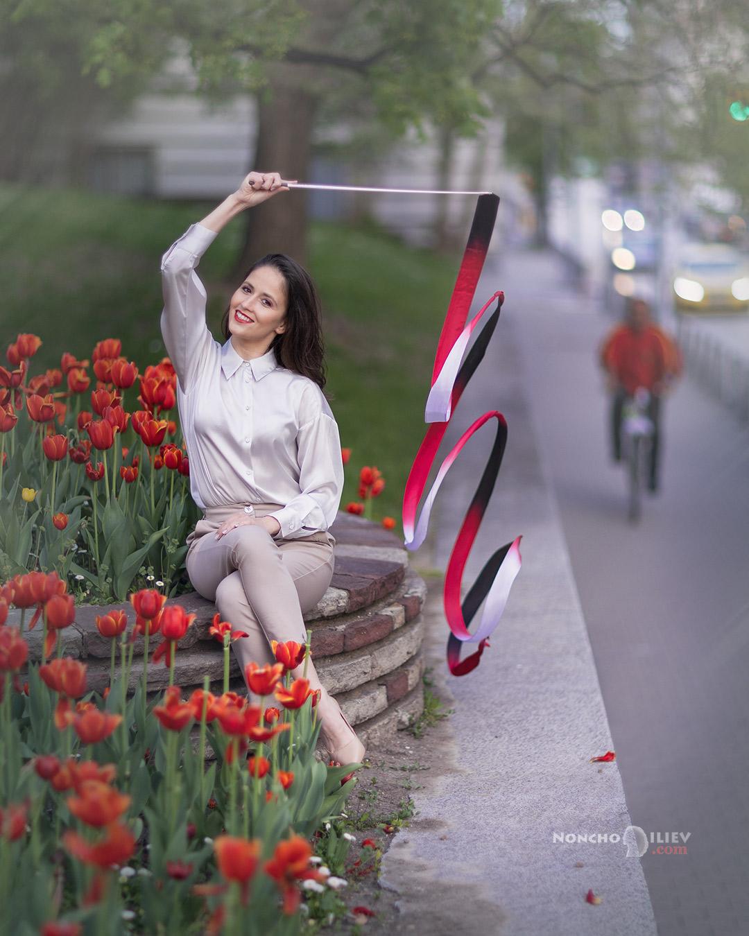 Лалета, лента и колело